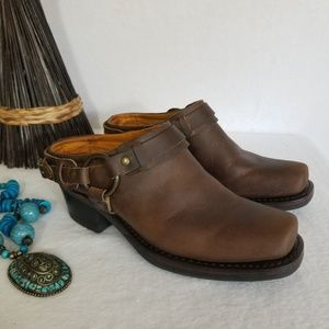 FRYE LOW CUT HARNESS BOOTS